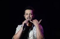 MURAT BOZ - Ünlü Şarkıcı Murat Boz, Bursalı Hayranlarını Coşturdu
