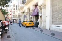 İSTİKLAL CADDESİ - Beyoğlu'nda Otel Odasında Kadın Cesedi Bulundu