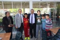 ÇAY BAHÇESİ - Burhaniye'de Belediye Hizmetleri Takdir Topladı