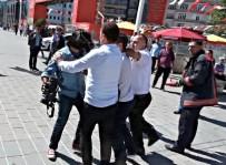 TAKSIM - Görevini Yapan İHA Muhabiri'ne Metro Güvenliğinden Saldırı