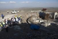 ASTRONOMI - Rektör Çomaklı, Doğu Anadolu Gözlemevi'ni Ziyaret Etti