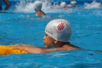 ÜMRANİYE BELEDİYESİ - Ümraniye Belediyesi'nden Okul Bahçesine Portatif Yüzme Havuzu