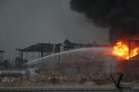 KİMYASAL MADDELER - Adana'da Kimyasal Sanayi Deposunda 'Bomba Etkisi' Yaratan Patlama