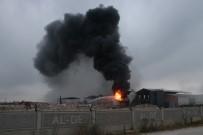 KİMYASAL MADDELER - Kimyasal Sanayi Deposunda 'Bomba Etkisi' Yaratan Patlama