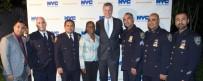 POLİS TEŞKİLATI - New York'ta Polis Araçlarına Kurşun Geçirmez Cam Takılacak