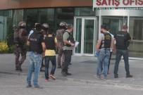 ÖZEL TİM - Pendik'te Uyuşturucu Operasyonu Açıklaması Lüks Rezidansa Baskın
