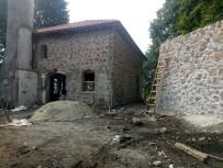 TEMEL KAZISI - Asırlık 'Taş Camii' Yenileniyor