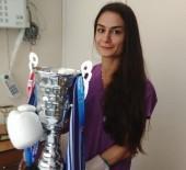 BUDAPEŞTE - Bu Hastanede Hastalar Kick Boks'çu Hemşireye Emanet
