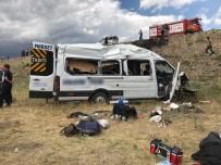 MİNİBÜS ŞOFÖRÜ - Düğün Yolunda Feci Kaza Açıklaması 1 Ölü, 10 Yaralı