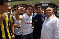 SALİH UÇAN - Fenerbahçeli Futbolculara Cuma Namazı'nda Yoğun İlgi
