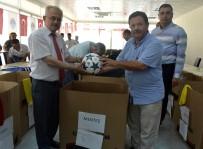 FıNDıKPıNARı - Fındıkpınarı Futbol Turnuvası Öncesi Takımlara Malzemeleri Dağıtıldı