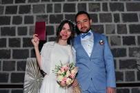 Genç Çiftler '07.07.2017' Tarihinde Evlenmek İçin Sıraya Girdi