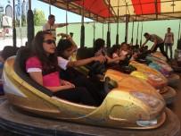 FATMA SEHER - İzmitli Çocuklar Lunaparkta Eğlendi