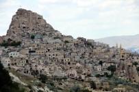 KAPADOKYA - Kapadokya'da Turist Ziyaretçi Sayısı Arttı