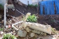 İSTİNAT DUVARI - Kocaeli'de İstinat Duvarı Çöktü