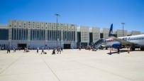KOCA SEYİT - Koca Seyit'ten 10 Bin Uçak İniş Kalkış Yaptı