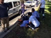 SİVİL POLİS - Polis Aracıyla Otomobil Çarpıştı Açıklaması 1 Yaralı