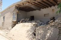 MEHMET ÖZDEMIR - Suriyeli Ailenin Yıkık Evde Yaşam Mücadelesi