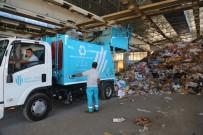 AMBALAJ ATIKLARI - Ümraniye Belediyesi Daha Yeşil Bir Çevre İçin Çalışıyor