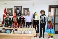 NASREDDIN HOCA - Başkan Akkaya'ya Dans Ve Halk Oyunları Ekiplerinden Ziyaret