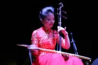 ÇİNLİ - Çinli Sanatçılardan Uçhisar Kasabasında Halk Konseri