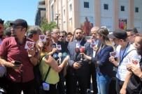 VATAN CADDESİ - İstanbul'daki Suriyeliler, Üzerinde 'Kırmızı Kalp' Bulunan Afiş Dağıttı