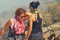 İTFAİYE ERİ - Kadınlar Damacanalarla Yangını Söndürmeye Çalıştı