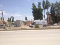MAHMUT KAŞıKÇı - Teröristlerden Yol Şantiyesine Saldırı Açıklaması 2 Yaralı