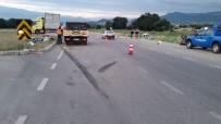 GÜNLÜCE - Tır ile kamyonet çarpıştı: 3 ölü, 1 yaralı