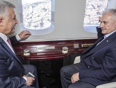 Başbakan Binali Yıldırım İstanbul'da devam eden projeleri havadan inceledi