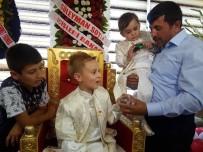 SÜNNET DÜĞÜNÜ - Şehidin Oğullarının Sünnet Düğününe Yüzlerce Kişi Katıldı