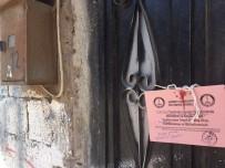ŞAHINBEY BELEDIYESI - Suriyelilere Ait Göçen Ev Belediye Ekiplerince Yıkıldı