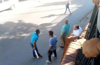 OKMEYDANı - Beyoğlu'nda Sokak Ortasında Silahlar Çekildi Açıklaması 1 Yaralı