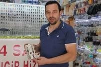 MUHABBET - Çilingirler Bazen Hayat Kurtarıyor, Bazen De Hırsızlığı Önlüyor