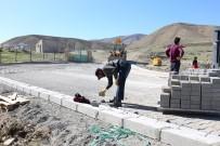 YOĞUN MESAİ - Gürpınar'da Yol Yapım Çalışması