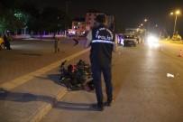 KAMYON ŞOFÖRÜ - Kamyonla Çarpışan Motosiklet Sürücüsü Ağır Yaralandı