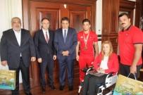 CUMHURİYET ALTINI - Olimpiyat Şampiyonundan Valiye Ziyaret