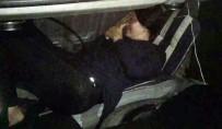 Otomobil Bagajında Yakalandı