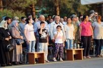 SAYGI DURUŞU - Şehit Binbaşının Çocukları Herkesi Ağlattı