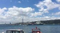 MALTA - Türk Akımı Boru Hattı İnşaatına Boruları İndiren Şantiye Gemisi İstanbul Boğazı'ndan Geçti
