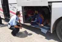 KAÇAK GÖÇMEN - 119 Kaçak Göçmeni Bir Otobüse Sığdırdılar