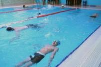 YÜZME YARIŞLARI - Bağcılar'da Kapalı Yüzme Havuzlarında 600 Bin Kişi Yüzdü
