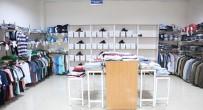 SOSYAL YARDIM - Büyükşehirden Dar Gelirli Ailelere Giyim Yardımı