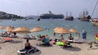 MALTA - Gemiden İnen 3 Bin Turist Bodrum' Hareketlendirdi