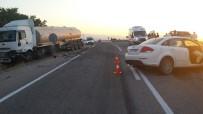 BANKA MÜDÜRÜ - Malatya'da Otomobil Tıra Çarptı Açıklaması 1 Ölü