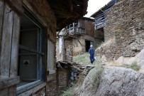 MEHMET YAVUZ - Kimsesiz Köyün Kahvecisi