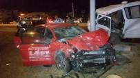 ALI ÇELIK - Samsun'da Minibüs İle Otomobil Çarpıştı Açıklaması 4 Yaralı