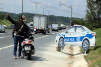 POLİS ARACI - TEM Otoyolu'nda Sürücüleri Şaşkına Döndüren Manzara