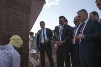 Bakan Ağbal, Ahlat'ın Tarihi Mekanları Gezdi