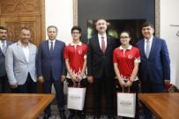 ŞEHITKAMIL BELEDIYESI - Dünya Şampiyonu, Sevincini Adalet Bakanı Gül İle Paylaştı